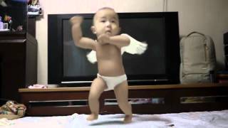 Repeat youtube video Gangnam Style Dancing Baby