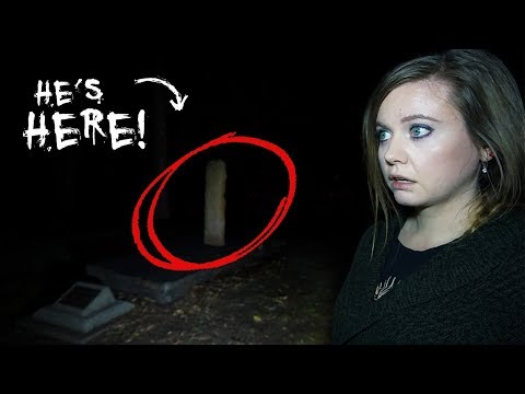 We Found The SHADOWLESS GHOST'S GRAVE | HAUNTED Cascade Gardens, Australia