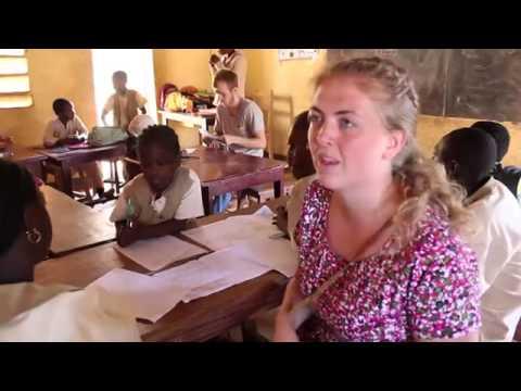 Den evangelisk-lutherske kirke i Kamerun (EELC) har startet skole for døve og andre elever med spesielle behov i byen Ngaoundéré i Adamaouaprovinsen i Kamerun. NMS (Det Norske Misjonsselskap) er med å støtter skolen. Dette er et viktig arbeid for en ofte glemt minoritet i befolkningen. Filmen er laget av Gunnar Thorset, April 2014