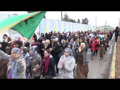 تظاهرات للأكراد في شمال سوريا رفضاً لتلويح تركيا بالهجوم على عفرين