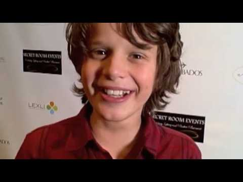 Bobby Coleman talks Miley Cyrus and The Last Song! - YouTube