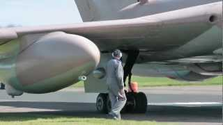 Handley Page Victor K2 Tanker XM715: Warm up and full power taxi on runway