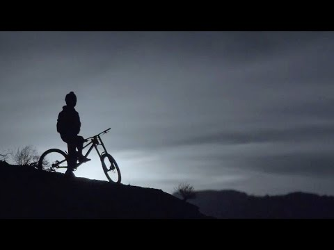 Berrecloth Rips King Kong Trail by MoonLight