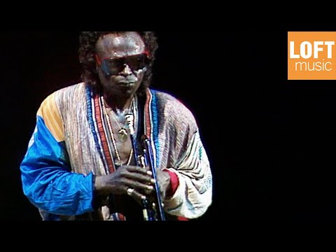 Miles Davis - Time After Time (Miles Davis with Kenny Garrett and Foley McCreary, 1988)