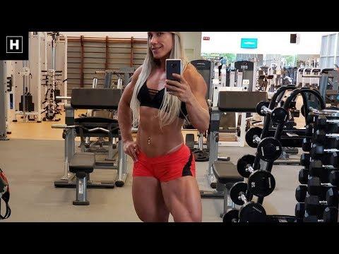 Quad Queen - Leg Workout For Mass | Carla Inhaia