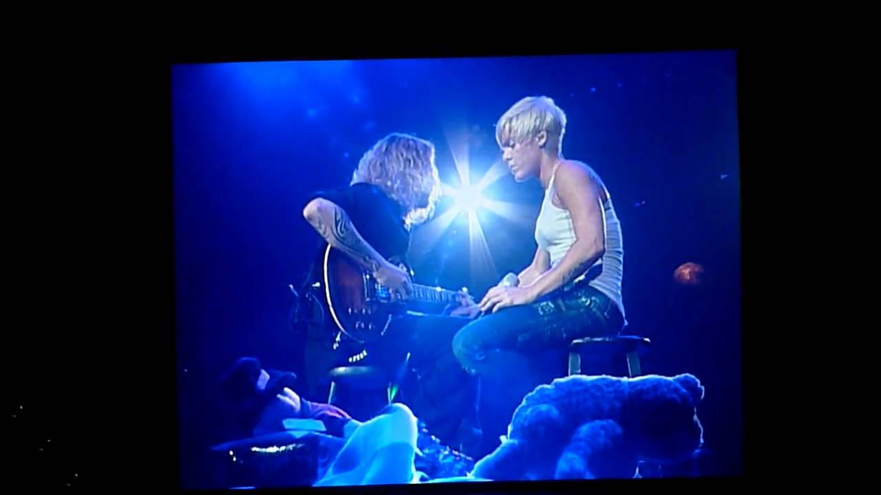 P!NK - Funhouse Tour 2009