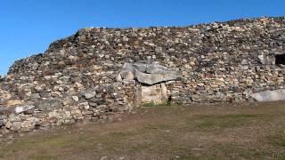 Visite du Cairn de Barnenez (Plouezoc'h - Bretagne)