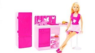 Видео с куклами: Кукла Штеффи: Кухня: Куклы для девочек: Развивающие игрушки для детей(Видео с куклами познакомит детей с кухней куклы Штеффи. Давай откроем коробку и разглядим все очень внимате..., 2014-11-28T11:00:08.000Z)