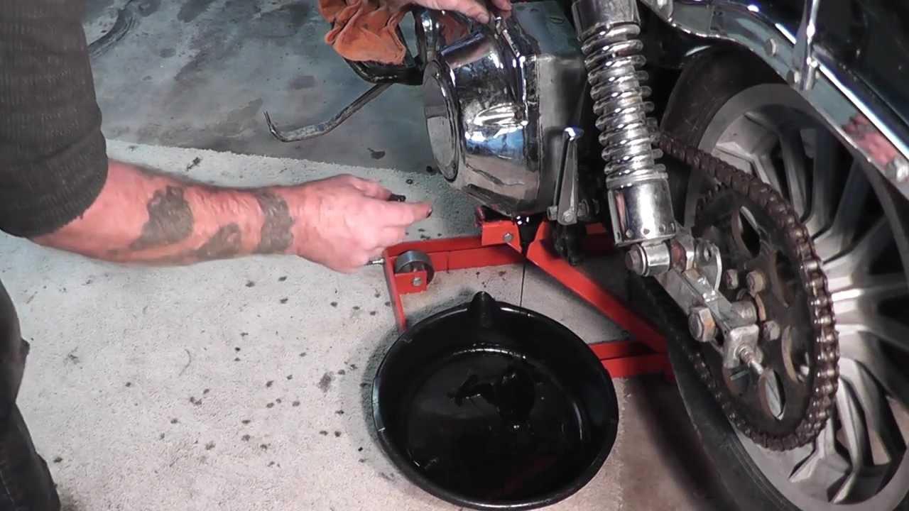 Tech Tips: Removing Engine on 1977 Harley Shovelhead: 01