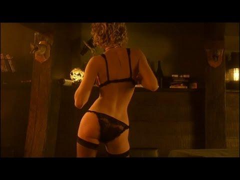 Rebecca Romijn striptease  Femme Fatale