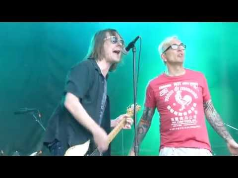 "Soul Asylum - ""Somebody To Shove"" & ""Misery Feat. Art Alexakis"" Summerland 2014, on 6/25/14"