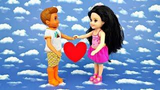 Поцеловал прямо на уроке 💜 ! Про школу Барби и Игры в куклы - Ella Tv Show