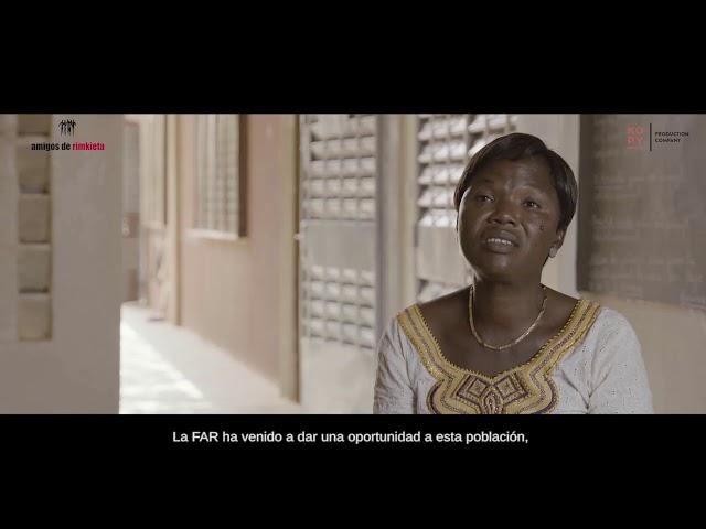 """1  RIHANATA ZOUNGRANA, directora del parvulario """"Maternelle Valencia"""""""