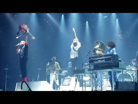 Arcade Fire - Wake Up FINALE - LIVE - Boston - 4K - September 15th 2017