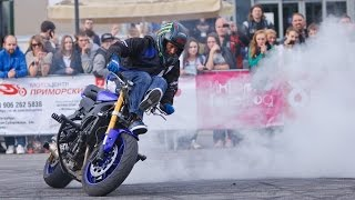 STUNTER13 Stunt Moto Show(Stunt show by great famous stunt rider Rafal Stunter13 Pasierbek in Saint-Peterburg. Rafal rides Yamaha mototcycles: stunt bike YZF R6 , OEM MT07 and pit ..., 2015-12-08T09:10:03.000Z)