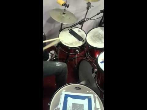 Jouer un sebene à la batterie pour débutant