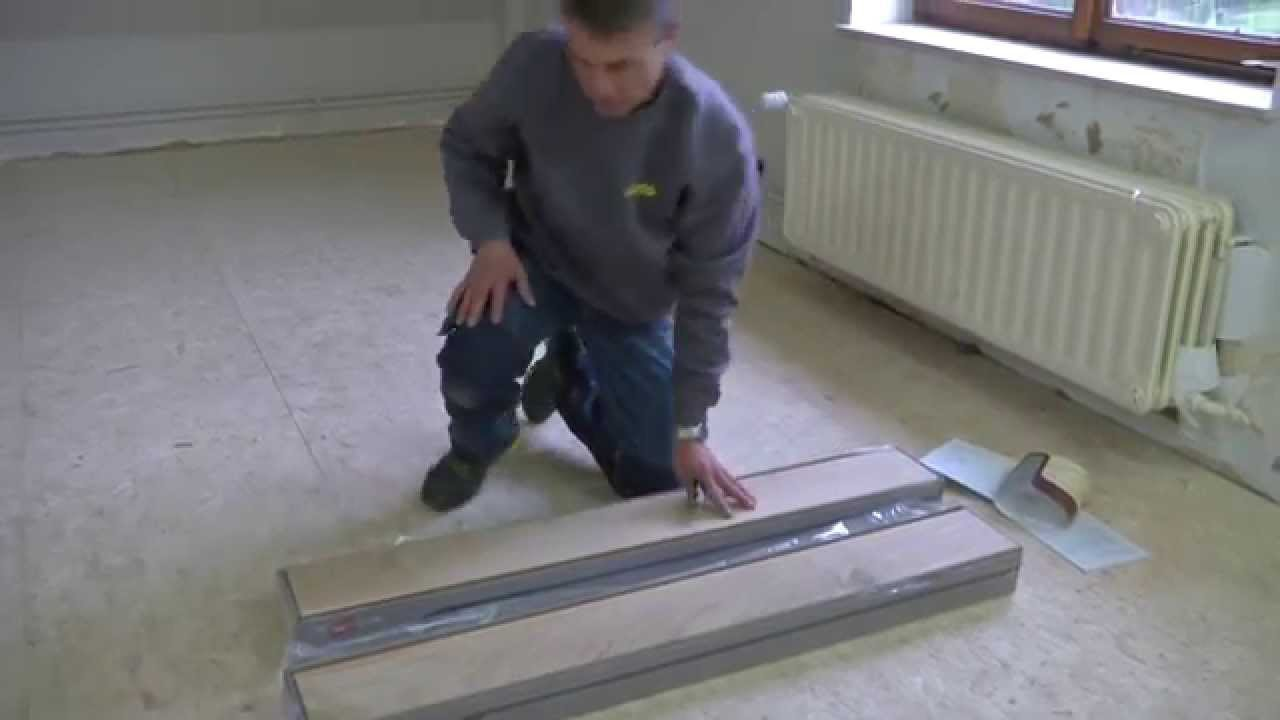 poser du parquet massif etape par tape bricolage youtube. Black Bedroom Furniture Sets. Home Design Ideas