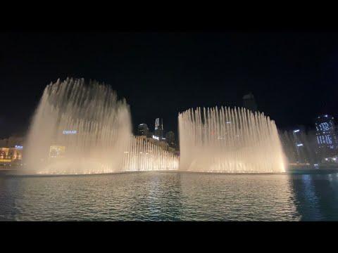 Dubai Mall Amazing Dancing Fountain Show