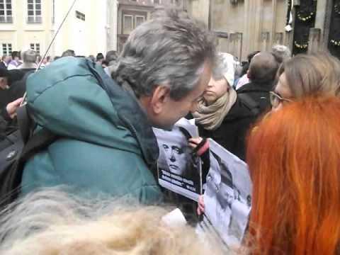 Protest skupiny Odraz v chrámu sv. Víta