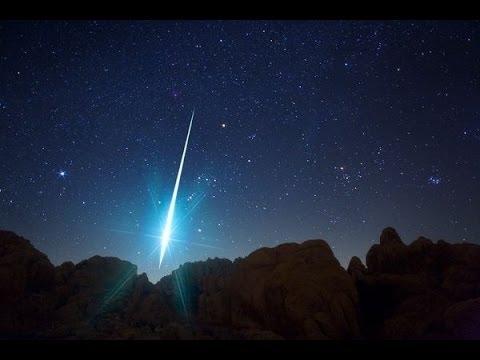 Lluvia de meteoritos que ilumina el cielo (VÍDEO)