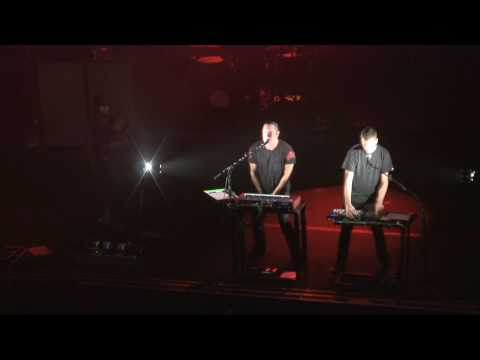 NIN w. Atticus Ross & Dave Navarro - The Warning - 9.10.09 *Final NIN Concert (in 1080p)*