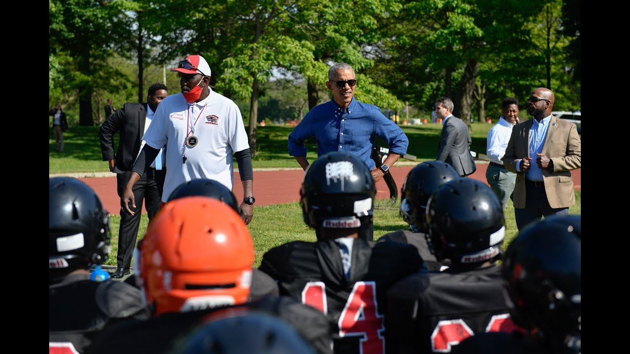 President Obama surprises Chicago Southside youth football team in Jackson Park