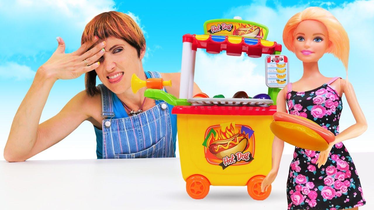 Барби и вертолет. Игры готовка с Барби + Маша Капуки. Видео с куклами для девочек