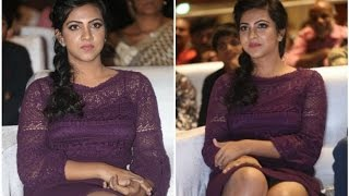 Madonna Sebastian suffers wardrobe malfunction at Premam audio launch