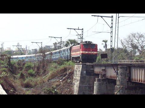 22511 Mumbai LTT - Kamakhya Karmabhoomi Express With Itarsi WAP4 #22781