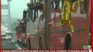Fenerbahce supporters Fenerbahçe taraftarları Galatasaray Derbisine giderken