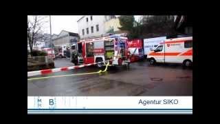 Gasgeruch in Mehrfamilienhaus: Drei Personen im Krankenhaus