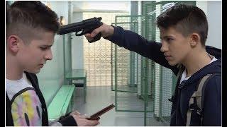 Uczeń groził bronią innym uczniom [Szkoła odc. 419]