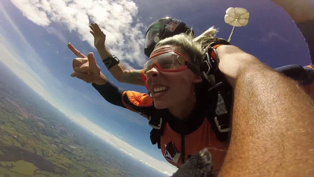 Salto de Paraquedas da Joana V na Queda Livre Paraquedismo 25 01 2017