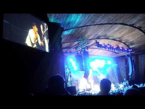 "Journey - ""Don't Stop Believin'"" (Blossom Music Center, 6-29-16)"