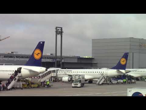 OMAN AIR 787-9 at Frankfurt [See parking Lufthansa Jets]