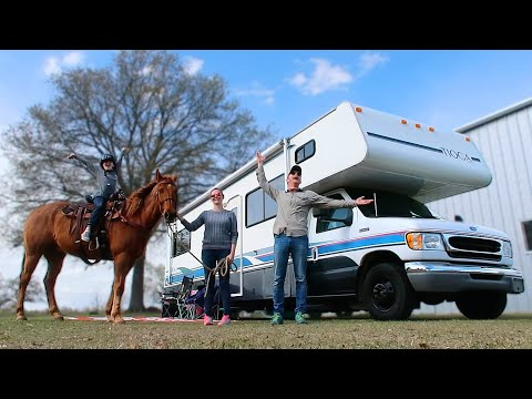 Beginner Horseback Riding Lessons While Boondocking In Texas