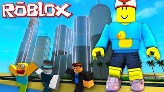 Roblox - BABY DUCK BECOMES A GIANT TITAN!! Roblox Titan Simulator