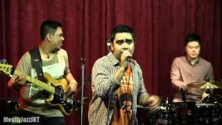 Abdul & The Coffee Theory - Aku Suka Caramu @ Mostly Jazz 03/05/13 [HD]