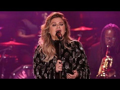 Kelly Clarkson SLAYS SUSTAINED Eb6 in Performance of