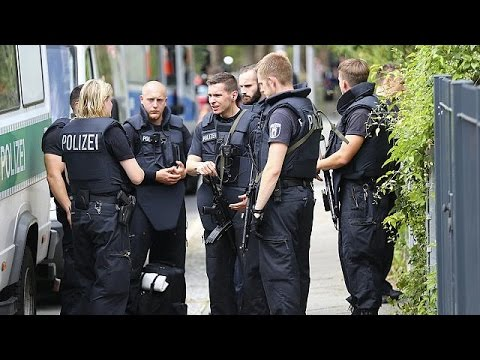 Three Syrians with suspected ISIL links arrested after German police raids