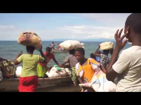 旅する鈴木483:Across the lake, to the Island @Malawi