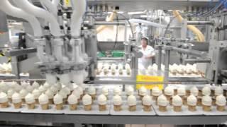 En glass blir till -- på besök i glassfabriken