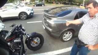 Автомобилисты очень любят мотоциклистов