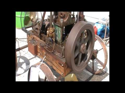 FRISCO MARINE ENGINE  @ Hobart Vintage Machinery Society Display at the Wooden Boat Festival 2015