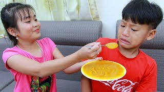 Kay play being a nanny with kids play food toys painting
