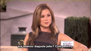 Emily Vancamp no programa The Queen Latifah Show (Legendado)