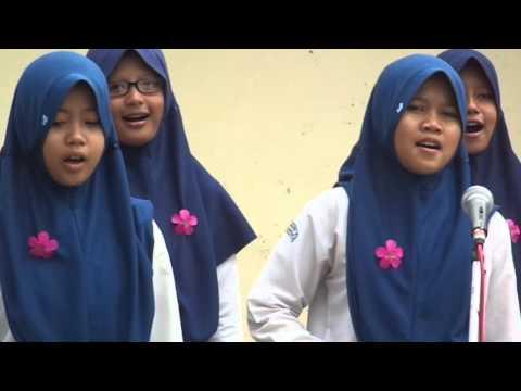 """Lagu """"Tanah Airku"""" Oleh Paduan Suara Kelas 9E SMPN 2 Bumiayu."""