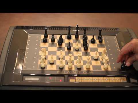 Vintage Fidelity Phantom 6100 Computer Chess Game Demonstrating Human Play