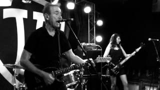 Watch Hugh Cornwell Lay Back On Me Pal video
