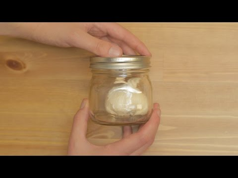 This Is How You Peel An Entire Head Of Garlic In Just A Few Seconds | HuffPost Life